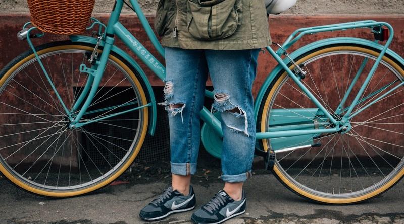 Vrouwen bezitten gemiddeld 7 paar jeans, maar dragen 4