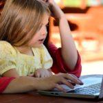 Een werkende moeder zijn, is niet slecht voor de vroege woordenschat en redenering van kinderen