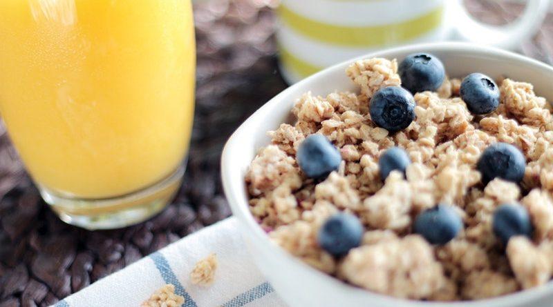 Door te ontbijten verbrandt je meer koolhydraten tijdens de training